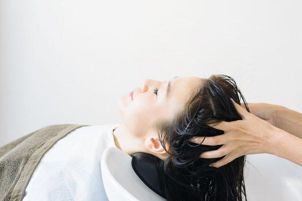 美容院の炭酸ヘッドスパは男性にもおすすめ!その効果やメリットを解説